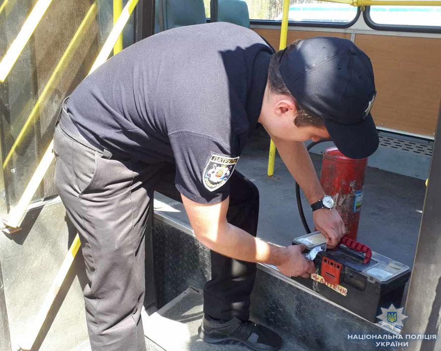 Без Купюр Кіровоградщина: поліція виявила пасажирські автобуси з несправними гальмами і не тільки. ФОТО Транспорт  поліція перевізники Патрульна поліція операція несправні автобуси Кропивницький