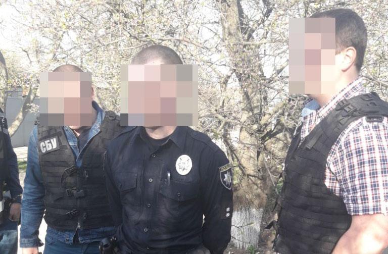 У Кропивницькому затримали патрульного, підозрюваного в отриманні хабара. ФОТО - 1 - Корупція - Без Купюр