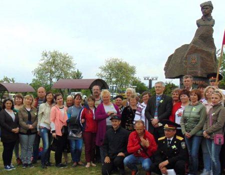 У Петрівському районі відкрили пам'ятник отаману Холодного Яру Костеві Блакитному. ФОТО