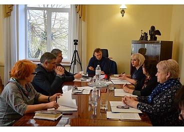 Чиновники міськради Кропивницького пройшли атестацію, трьом рекомендовано підвищити фаховий рівень - 1 - Життя - Без Купюр