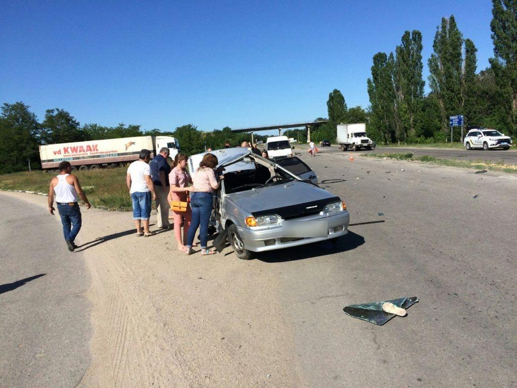 Без Купюр На Кіровоградщині сталася ДТП, одна автівка кілька разів перекинулась у повітрі. ФОТО За кермом  Кропивницький ДТП