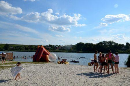 Санепідеміологи не радять купатися на пляжах Кропивницького та в Обознівці