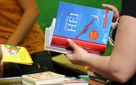 """Гасло цьогорічного фестивалю """"Весняний книговир"""" – """"Діти, які читають, стають дорослими, які думають"""". ФОТО"""