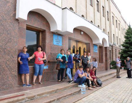 У Кропивницькому влада зробила винними в рейдерському захопленні агропідприємства самих селян. ВІДЕО