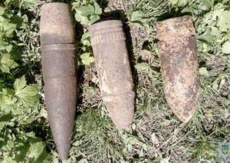 На Кіровоградщині правоохоронці виявили артилерійські снаряди часів Другої Світової війни