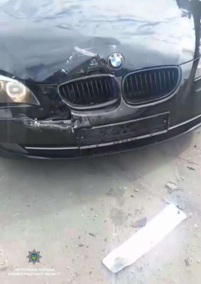 Без Купюр У Кропивницькому нетверезий молодик на BMW спричинив ДТП. ФОТО За кермом  Кропивницький ДТП ВМВ