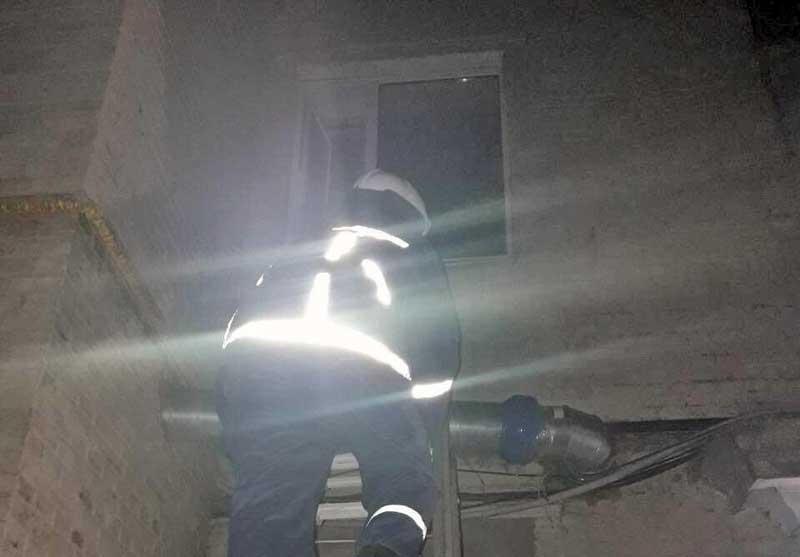 Без Купюр У Кропивницькому рятувальники вночі відкривали двері квартири, де зачинилася дитина Життя  порятунок дитини Кропивницький ДСНС дитина