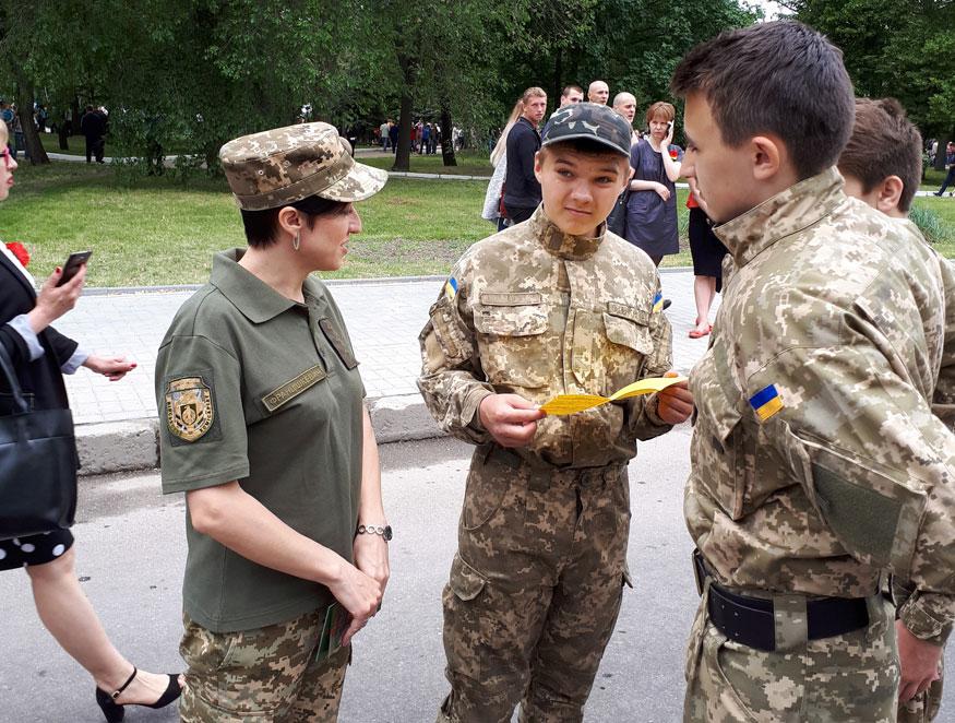 На Кіровоградщині військові провели масштабну рекламно-агітаційну акцію