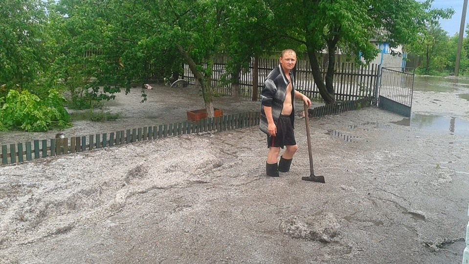 Без Купюр На Кіровоградщині дощ із градом знищили городину. ФОТО Події  Кіровоградщина злива