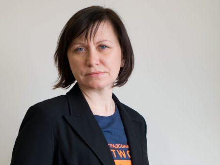"""Оксана Шершень: «Хворим на туберкульоз соціальні працівники приносять ліки додому"""""""