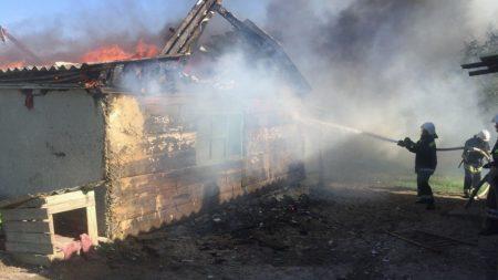 На Кіровоградщині за минулу добу рятувальники загасили 4 пожежі