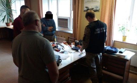 У Кропивницькому директору заводу з концерну «Укроборонпром» інкримінують вимагання хабара з «Нової пошти»