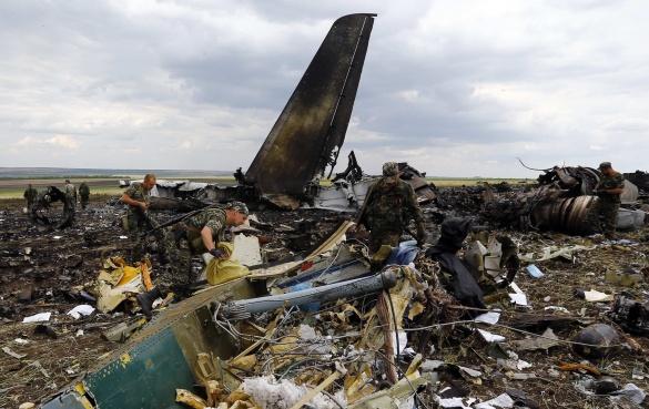 Без Купюр У Кропивницькому вшанують пам'ять загиблих у збитому літаку ІЛ-76 Війна  Кропивницький загиблі в Іл-76 загиблі військові війна АТО