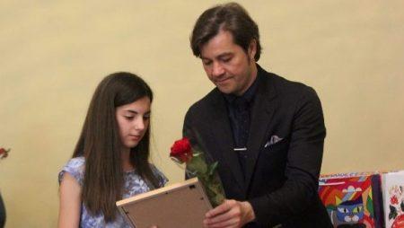 Дівчинка з Вільшанки отримала нагороду від міністра культури. ФОТО