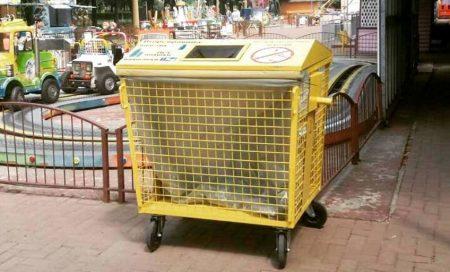 У кропивницькому Дендропарку встановили перші контейнери для двокомпонентного збору відходів. ФОТО