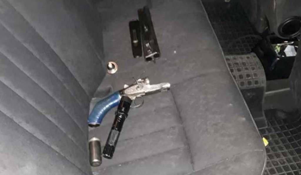 У Кропивницькому в двох водіїв на підпитку патрульні знайшли зброю. ФОТО 2