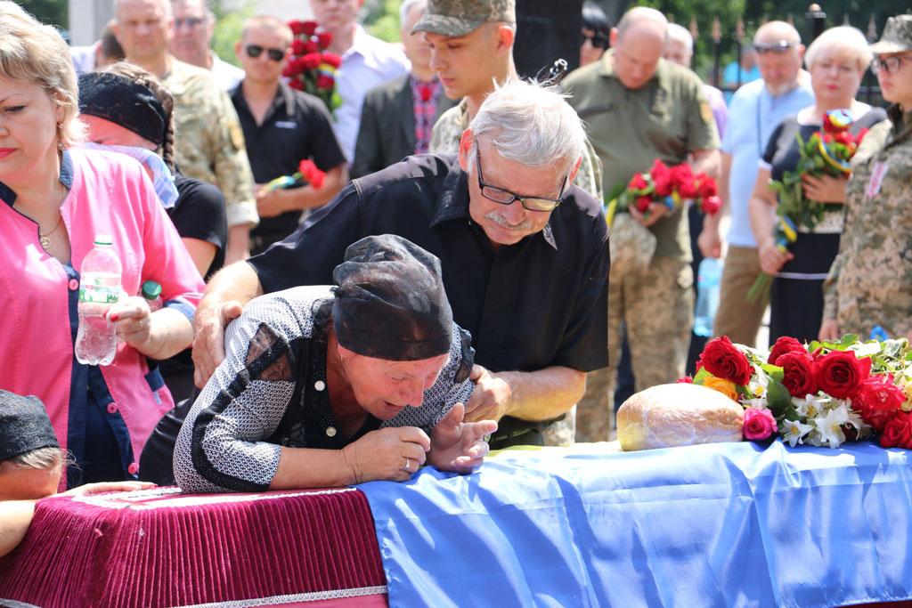 У Кропивницькому провели в останню дорогу Ігора Французана, який загинув у бою. ФОТО 1