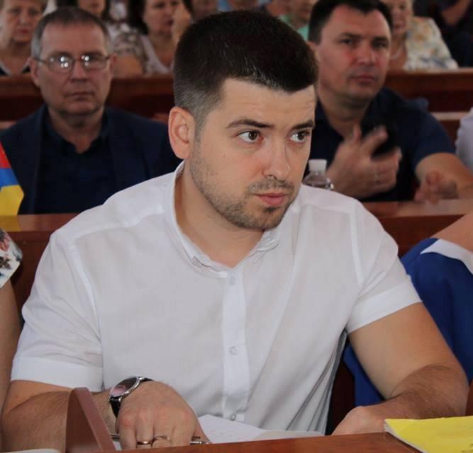 Без Купюр У Кропивницькому побили депутата земельної комісії та погрожували ще одному Кримінал  напад Кропивницький Анатолій Ларін
