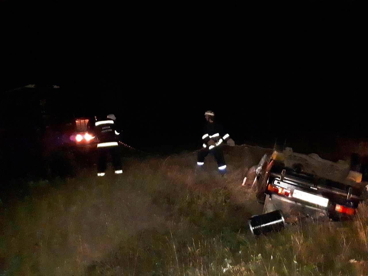 У Долинському районі перекинувся ВАЗ 2101, водій загинув. ФОТО - 1 - За кермом - Без Купюр