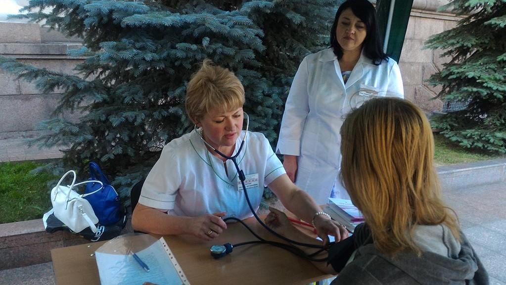 Без Купюр Кропивницькі медики проводять акцію «Виїзна клініка» Здоров'я  медична акція Кропивницький