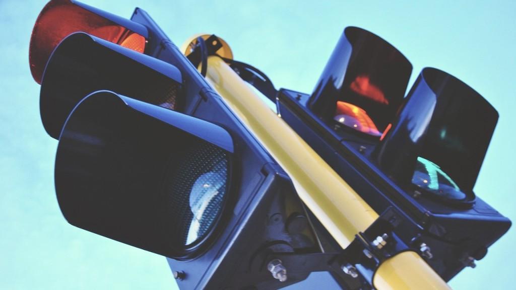 Без Купюр У Кропивницькому на перехресті не працюватиме світлофор За кермом  світлофор Кіровоградобленерго 2020 рік