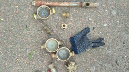 Поліція затримала крадія лічильників на воду з дачних будинків. ФОТО