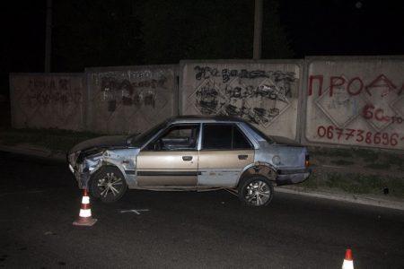У Кропивницькому п'яний водій в'їхав у бетонний паркан