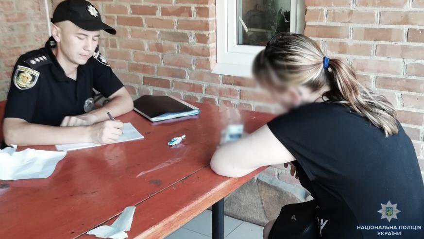 Без Купюр У Кропивницькому правоохоронці викрили сутенерку. ФОТО Кримінал  сутенерство поліція Кропивницький