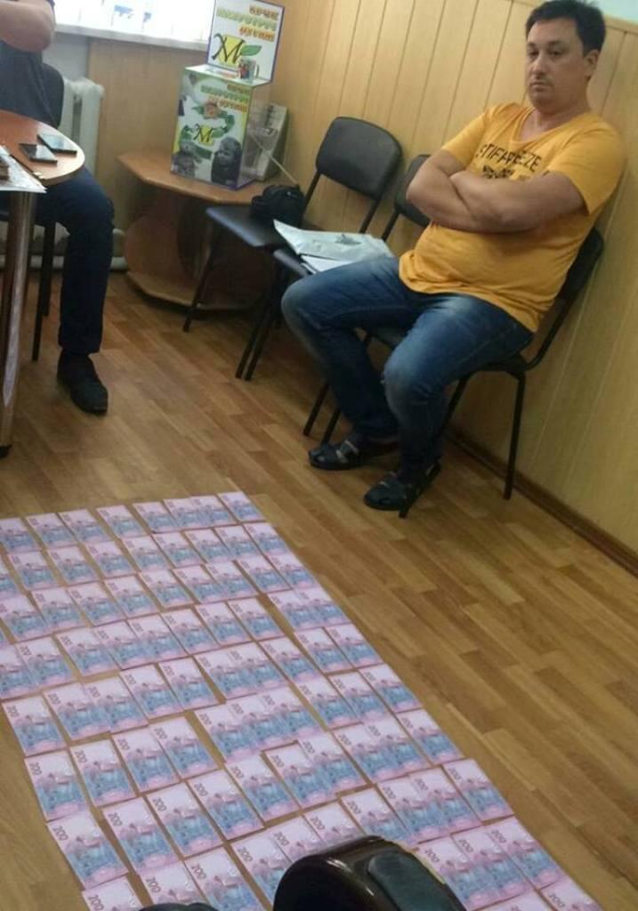Без Купюр У Кропивницькому за підозрою в хабарництві затримали депутата райради. ФОТО Корупція  Олександр Рацул Кропивницький