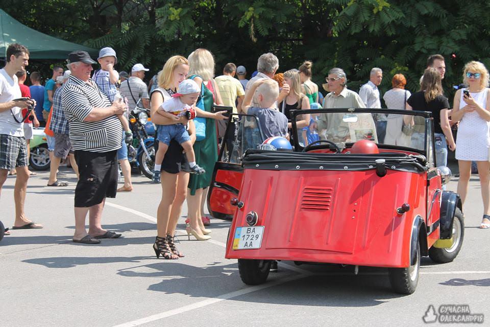 На Кіровоградщині відбувся третій фестиваль ретроавтомобілів. ФОТО - 11 - Життя - Без Купюр