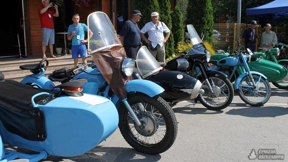 На Кіровоградщині відбувся третій фестиваль ретроавтомобілів. ФОТО - 7 - Життя - Без Купюр