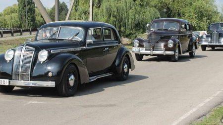 На Кіровоградщині відбувся третій фестиваль ретроавтомобілів. ФОТО