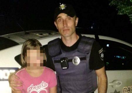 Патрульні у Кропивницькому серед ночі шукали 10-річну дівчинку, яка пішла дивитися місячне затемнення
