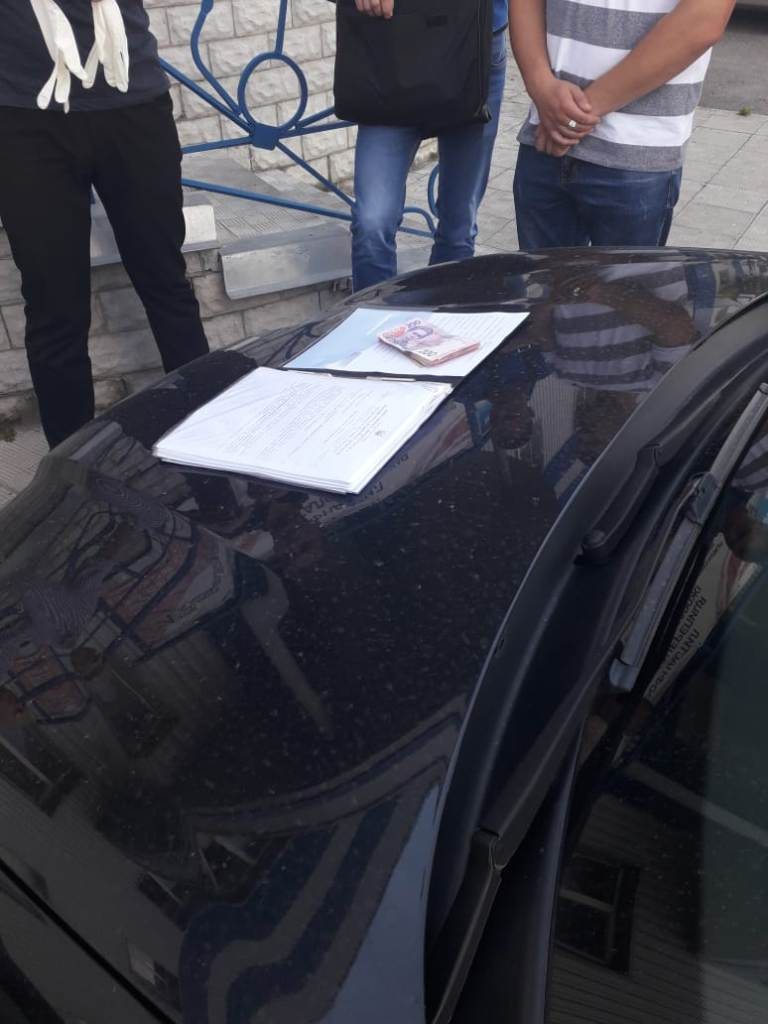 Без Купюр | Корупція | У Кропивницькому за підозрою в отриманні хабара затримали митного брокера. ФОТО 4