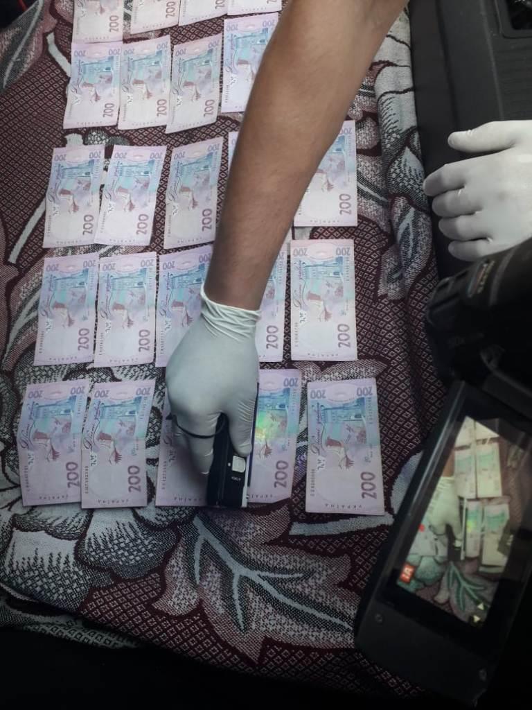 Без Купюр | Корупція | У Кропивницькому за підозрою в отриманні хабара затримали митного брокера. ФОТО 5