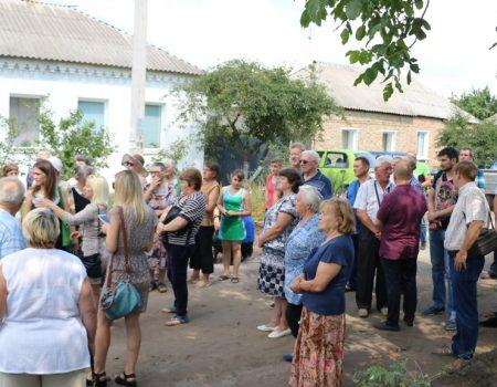 У Кропивницькому протестували через розширення вулиці в спальному мікрорайоні до м'ясокомбінату «Ятрань». ВІДЕО