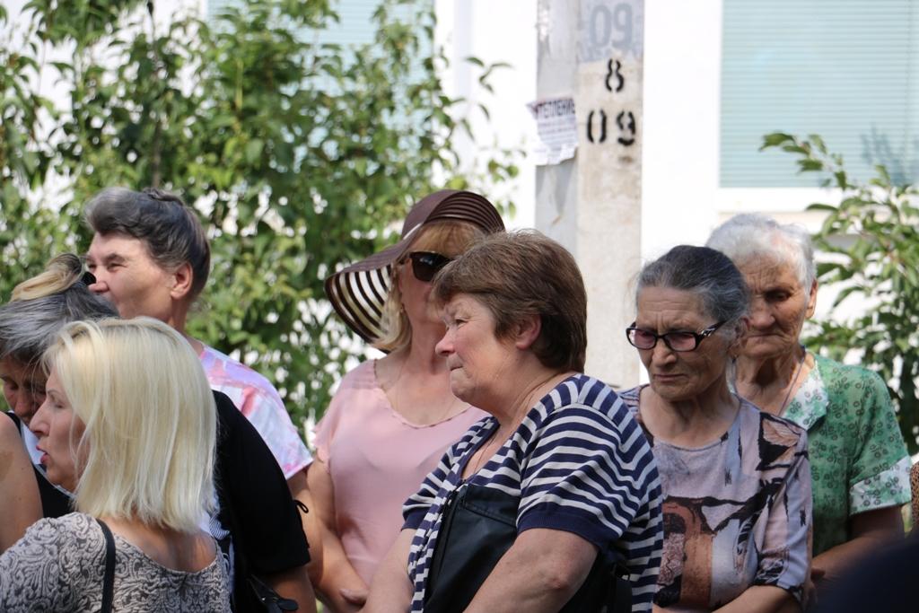 Без Купюр У Кропивницькому протестували через розширення вулиці в спальному мікрорайоні до м'ясокомбінату «Ятрань». ВІДЕО Вiдео  тов ноосфера-центр ремонт доріг Кропивницький вулиця тютюшкіна