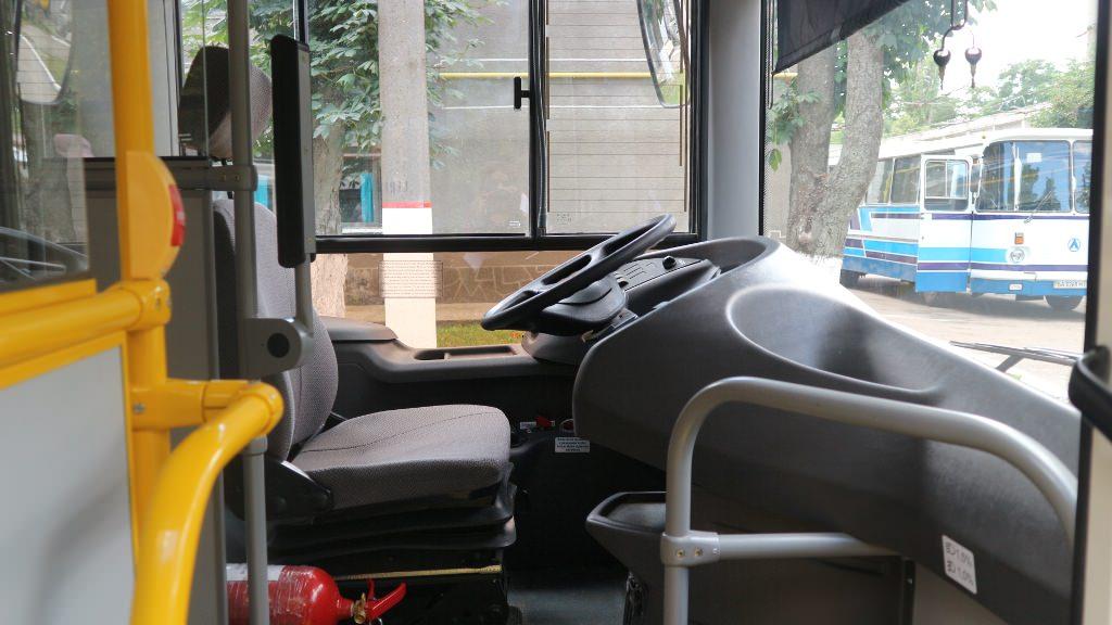 Без Купюр У Кропивницькому з 10 серпня на три маршрути виїдуть нові автобуси За кермом  Олександр Вергун нові автобуси Кропивницький автобусні маршрути