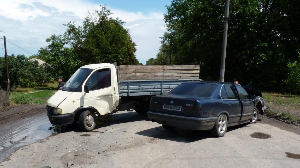 В Олександрії в аварію потрапила родина з малюком. ФОТО