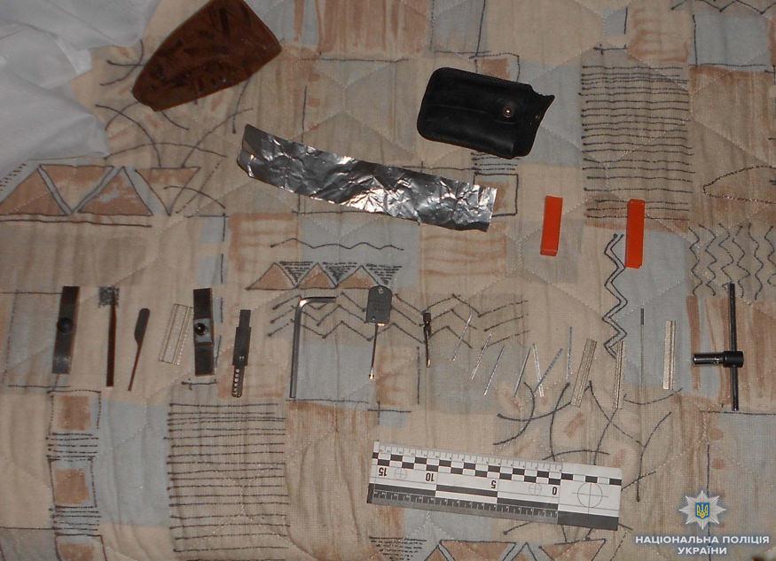 У Кропивницькому затримали квартирних злодіїв. ФОТО