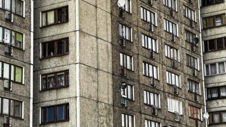 У Кропивницькому жінка загинула внаслідок падіння з 4 поверху