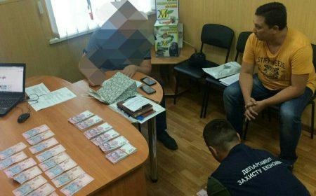 У Кропивницькому за підозрою в хабарництві затримали депутата райради. ФОТО