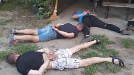 Поліція перевіряє підстави перебування учасників злочинної «сходки» на Кіровоградщині