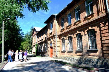 Павлиську школу імені Сухомлинського відреставрують до 1 вересня та хочуть забрати на баланс області
