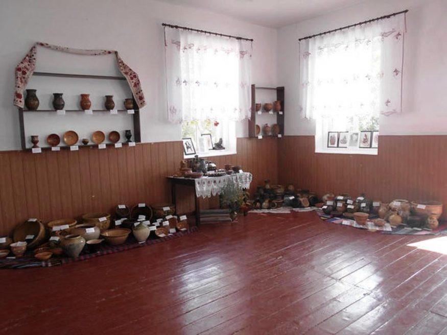 Світлана Орел | Життя | На Кіровоградщині відкрили пам'ятний знак Цвітненському осередку гончарства 3