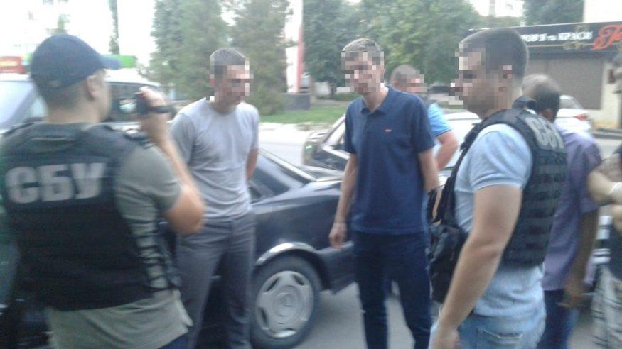 Без Купюр Слідчого Кропивницького міськвідділу поліції затримали за підозрою у вимаганні хабара. ФОТО Події  хабар поліція Кропивницький