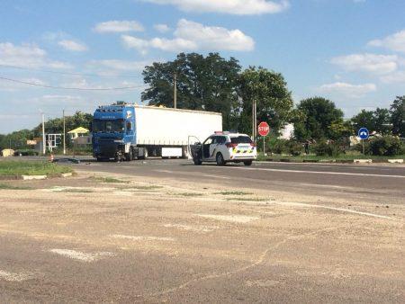 У Кропивницькому вантажівка зіткнулася з Volkswagen Tоaureg