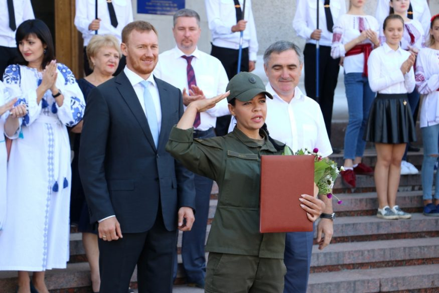 """У Кропивницькому нагородили заслужених містян та презентували вишитий """"Вінок Єдності"""". ФОТО - 6 - Події - Без Купюр"""