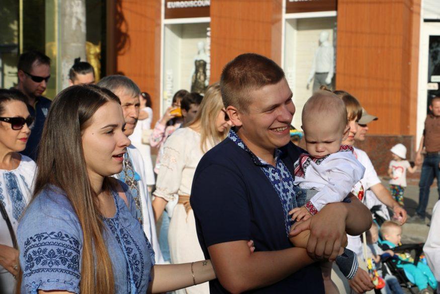 Кропивницький у вишиванках - 2018. ФОТОРЕПОРТАЖ - 20 - Життя - Без Купюр