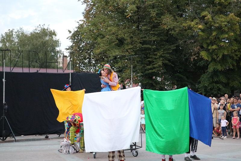 У Кропивницькому яскраво розпочався КропФест.ФОТО - 12 - Події - Без Купюр